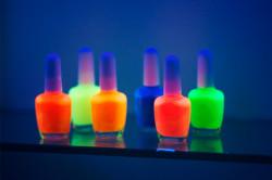 Светящиеся неоновые лаки для ногтей