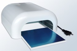 УФ-лампа для покрытия ногтей гелем