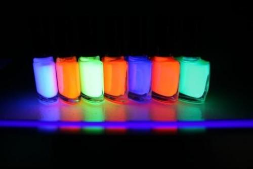 Флуоресцентные лаки для ногтей