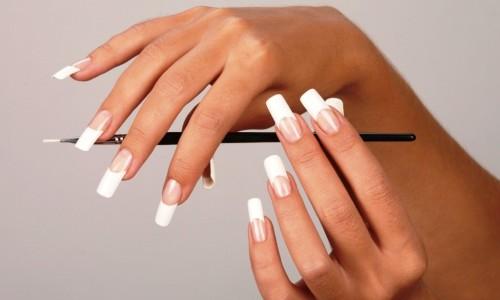Длинные нарощенные ногти