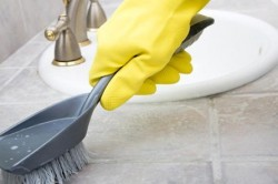 Защита ногтей от  химических средств