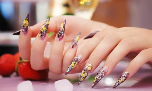 Ногти с китайской росписью