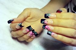 Объемный дизайн арочных ногтей