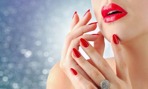 Отремонтированные ногти