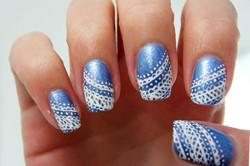 Узоры иголкой на матовых ногтях