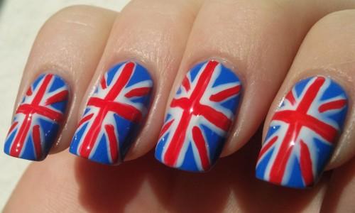 Маникюр с британским флагом