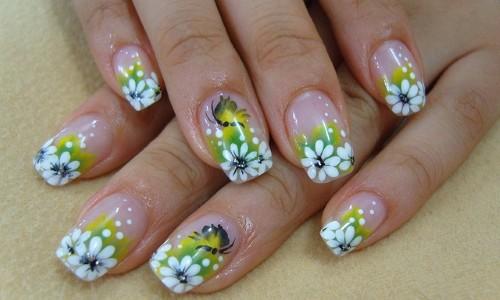Ногти с цветочным дизайном
