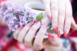Весенний дизайн ногтей цветными гелями