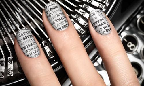 Оригинальный газетный дизайн ногтей