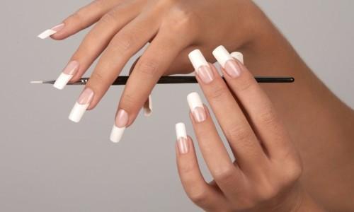 Ухоженные ногти квадратной формы