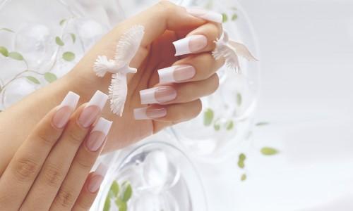 Нарощенные ногти с камуфлирующим гелем