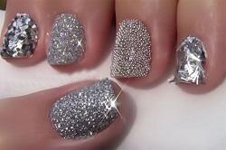 Блестящая феерия на ногтях