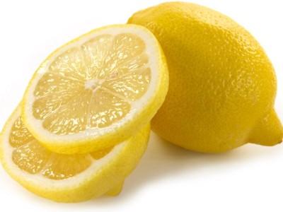 Обезжиривание ногтей лимоном