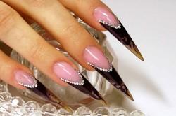 Ногти в стиле «Готический стилет»
