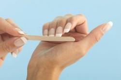 Обработка ногтей пилкой