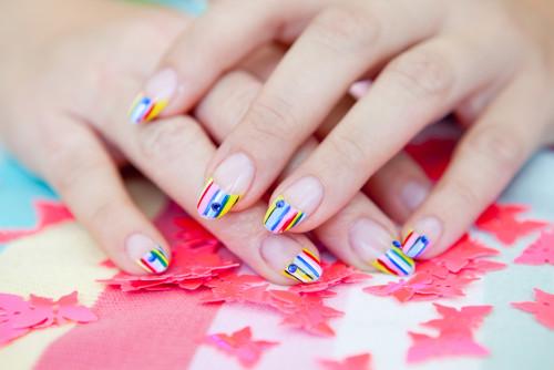 Разноцветный френч на длинных ногтях