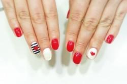 Покрытие шеллак на ногтях