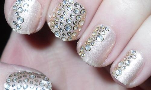 Украшенные ногти