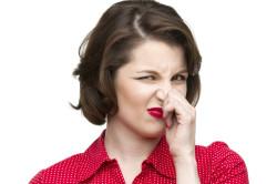 Неприятный запах материалов для наращивания ногтей акрилом