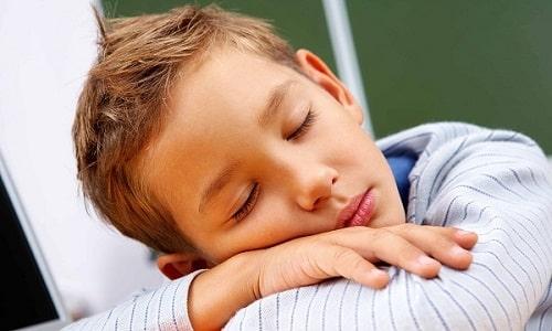 Синдром хронической усталости может появляться при латентном течении патологии, сопровождается слабостью и раздражительностью