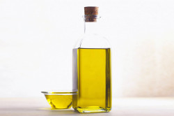 Лечение запоров вазелиновым маслом
