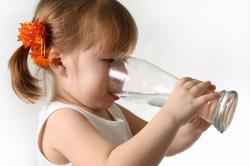 Обильное питье для профилактики запоров