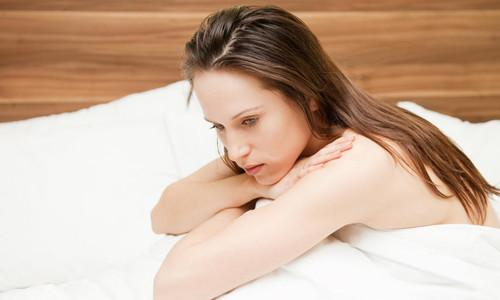 Проблема желтых выделений с кислым запахом
