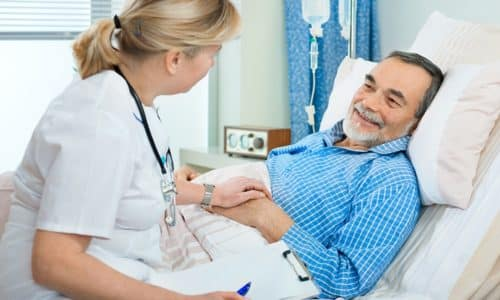 После хирургического удаления аденомы пациенту необходимо соблюдать предписания врача во время реабилитационного периода, чтобы организм быстрее восстановился