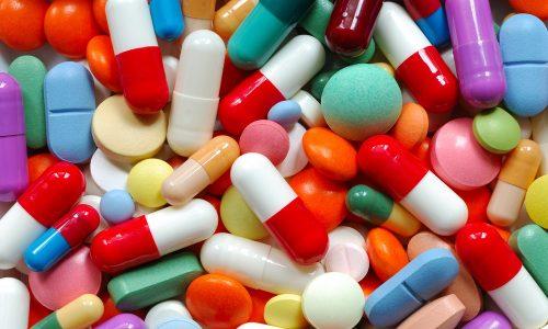 При цистите назначают антибиотики, противомикробные и противопаразитарные препараты, могут быть назначены противовоспалительные средства и спазмолитики