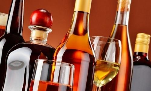 Алкоголь, принимаемый свыше 20-40 г/сутки, приводит к увеличению количества С-реактивного белка в плазме