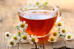 Чай с ромашкой от боли в горле
