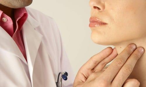 Биопсию назначают, если пациент жалуется на боль, возникающую при пальпации лимфатических узлов на шее