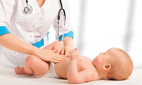 Целью массажа является укрепление мышц пресса для лечения и предупреждения грыжевого выпячивания