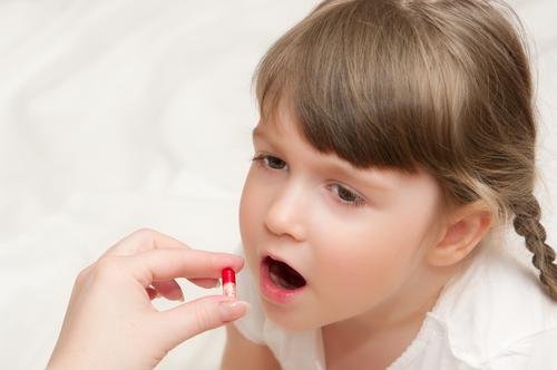Лечение герпетической инфекции у детей должно проводиться незамедлительно, при появлении первых симптомов болезни