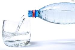 Прием минеральной воды при запоре