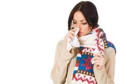 Насморк - симптом ларингита