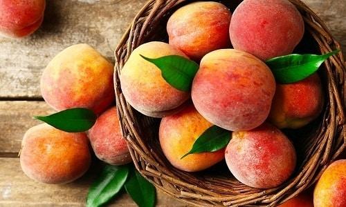 Во время диеты нужно избегать употребления персиков