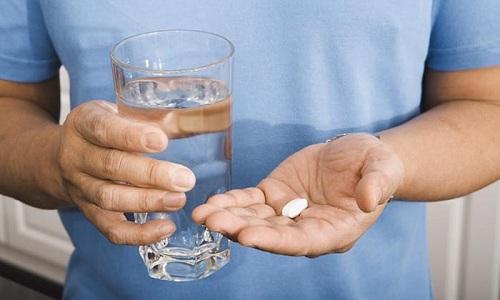 Для устранения болей можно принимать средства на основе ибупрофена, кеторола, аспирина, нимесулида