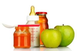 Переход на прикорм - причина запора у грудничков