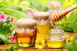 Польза меда при запорах