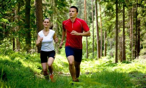 Регулярные занятия спортом, пробежки и прогулки улучшат общее состояние и помогут нормализовать обмен веществ