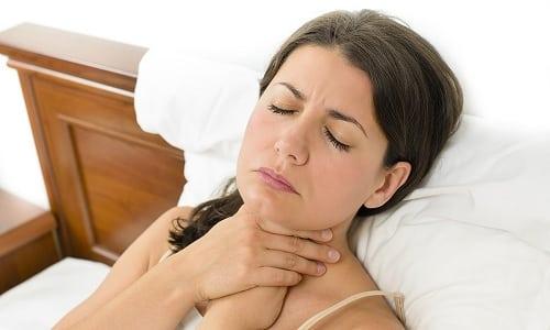 Поводом для обращения к эндокринологу могут послужить ваши субъективные ощущения человека. Например, ощущение кома в горле