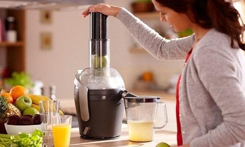 Свежий облепиховый, капустный и картофельный соки можно пить по утрам натощак по 200 мл