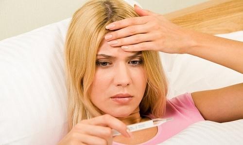 При избытке гормонов щитовидки у больного повышается температура тела