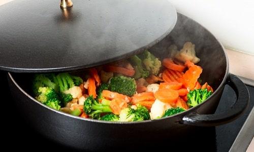 Продукты подвергают особой кулинарной обработке: отвариванию, запеканию, тушению